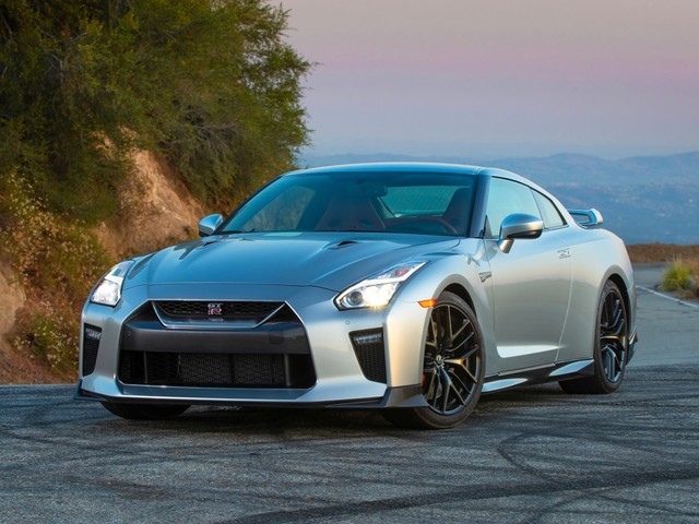 Next-Gen Nissan Z and GT-R could get electrified
