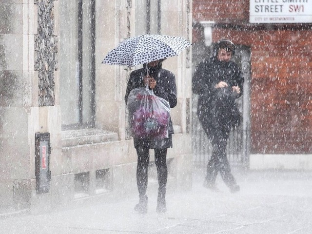 UK Weather: Spring Was A Cruel Lie And It's Going To Snow This Week