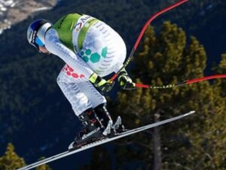 Paris, Venier fastest in training for final downhill races