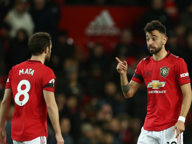 Bruno Fernandes and Juan Mata show their finishing touch in Manchester United training drills ahead of restart