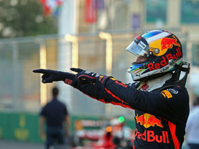 F1 Title battle turns nasty: Hamilton and Vettel collide as Daniel Ricciardo wins Azerbaijan GP