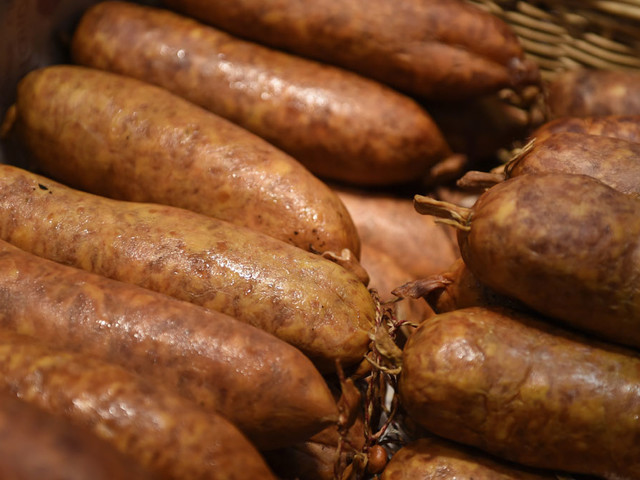 Thousands of Britons may have eaten sausages with pig virus