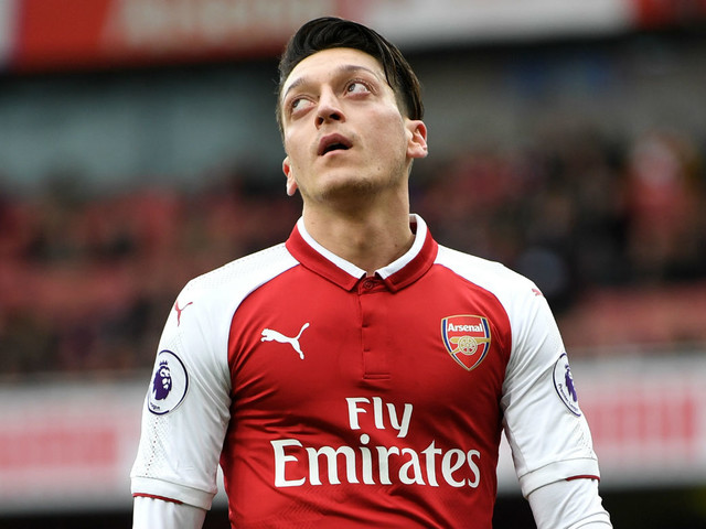 Arsenal transfer news: Mesut Ozil, Junior Firpo, Laurent Koscielny