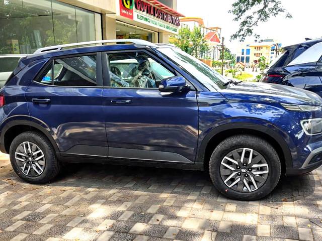 Hyundai Venue S(O), SX(O) Executive variants introduced