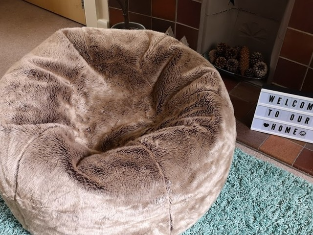 Review & Giveaway | Gorgeous Faux Fur Beanbag from Beanbag Bazaar