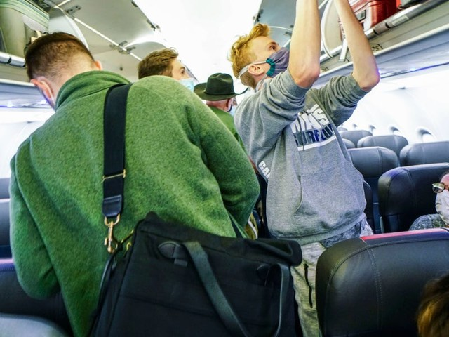 American Airlines' decision to sell middle seats shows that the pandemic won't lead to more comfortable flights