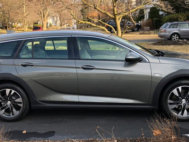 I drove a $40,000 Buick Regal TourX station wagon for a week — and it was just as good as most family SUVs (GM)