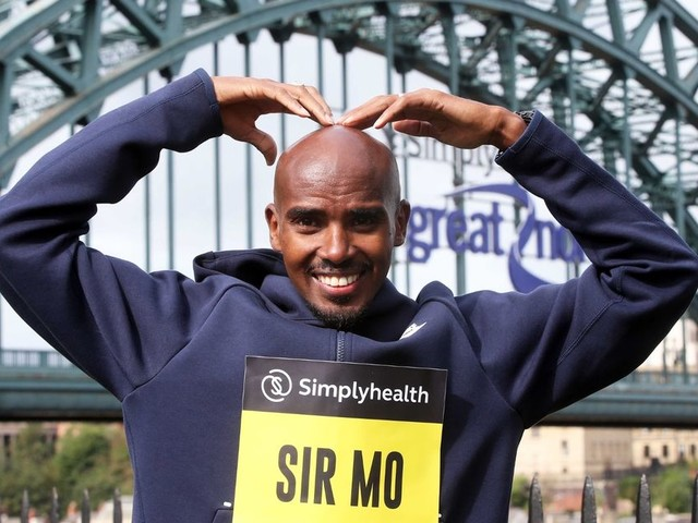 Mo Farah wins Great North Run for record-breaking sixth year in a row