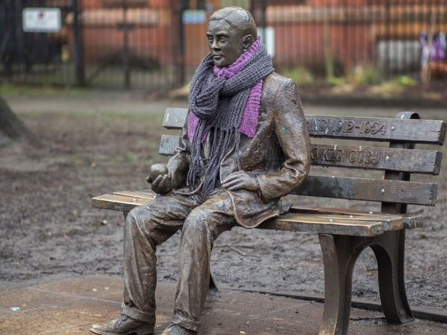 The weird and wonderful stories behind Manchester's most famous statues