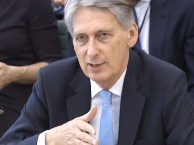 Philip Hammond Warns No Deal Brexit Could Ground All Flights Out Of Britain