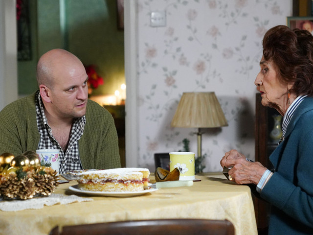 EastEnders spoilers: Evil Stuart Highway targets Dot Branning as he forms his next wicked plan