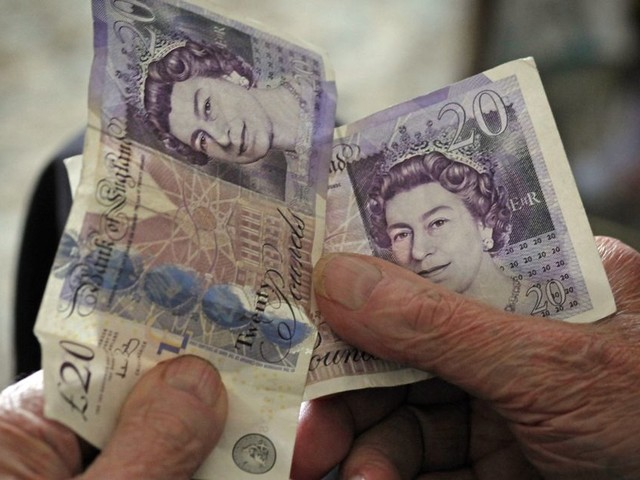 Ban pension cold calls to stop people being conned out of their life savings, say MPs
