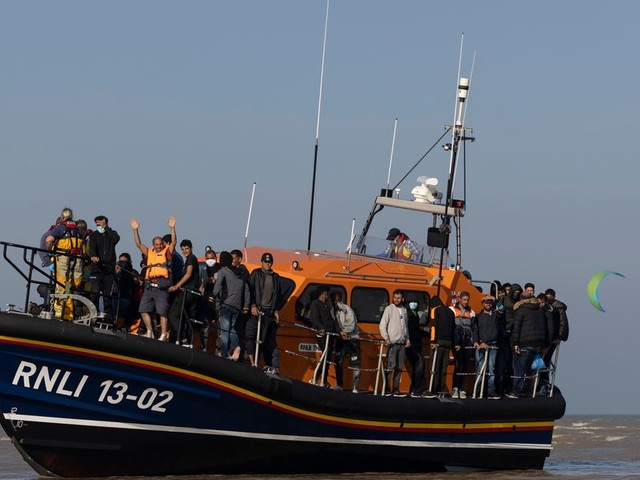 No.10 Confirms New 'Turnaround Tactics' For Channel Migrant Boats