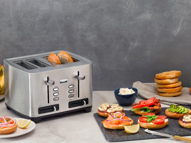 This 4-slice toaster is just $30 and won't burn your gluten-free bread - CNET