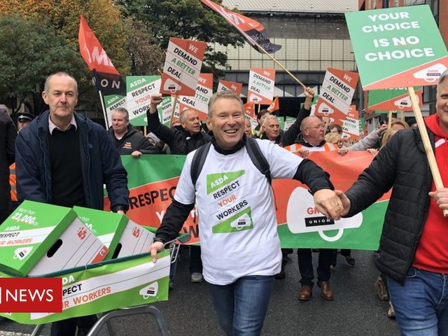 Asda contract protesters deliver petition to Leeds HQ
