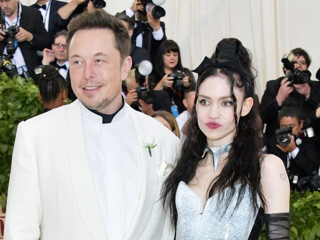 Grimes told Elon Musk to turn of his phone and that she 'cannot support hate' in a now-deleted tweet, after he tweeted that 'pronouns suck'
