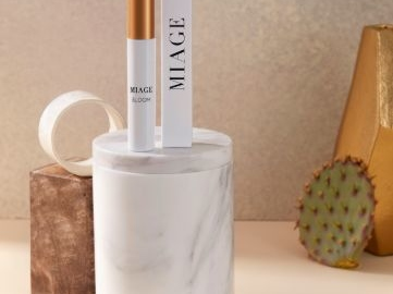 Waterless Stem Cell-Awakening Skincare - Míage's Bloom La Milpa Lip Treatment Awakens Dorment Cells (TrendHunter.com)