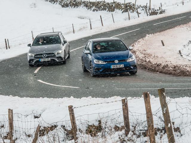 Hot hatchback twin test: Mercedes-AMG A35 vs. Volkswagen Golf R
