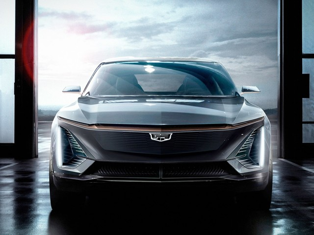 With a Cadillac SUV, GM Shows a New Way to an Electric World