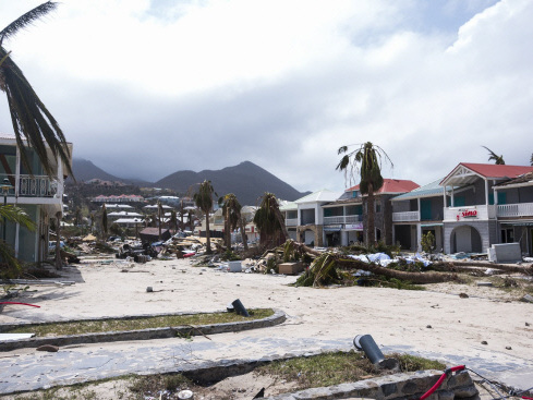 Irma's deadly passage batters Caribbean, at least 10 dead (Updated)