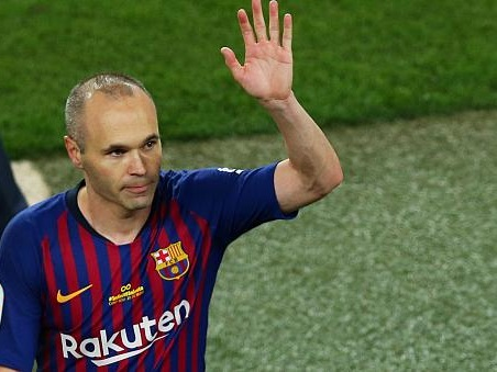 Andrés Iniesta bids farewell to Barecelona
