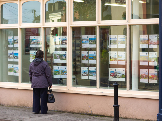 Will house prices drop in the recession?