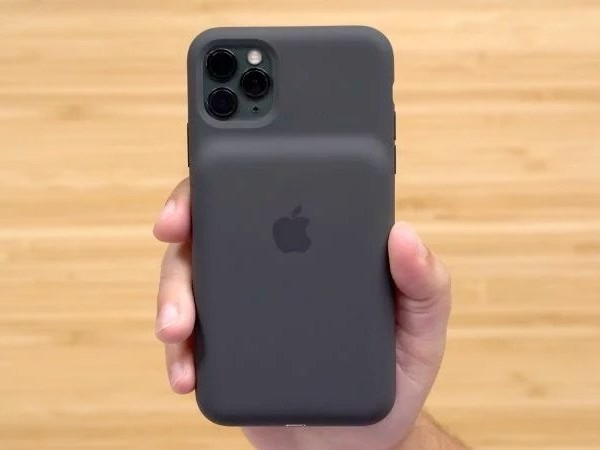New Apple iPhone 11 Pro Max battery case shown off on video