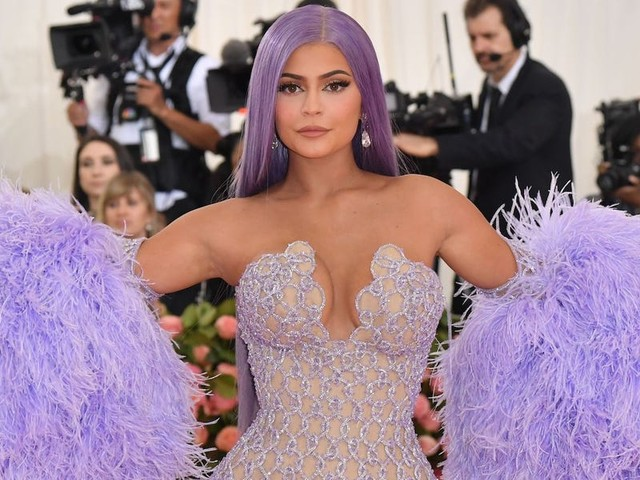 9 mind-blowing facts that show just how wealthy Kylie Jenner really is