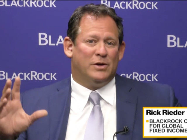 BlackRock's $1.7 trillion bond chief tells us his biggest market fear