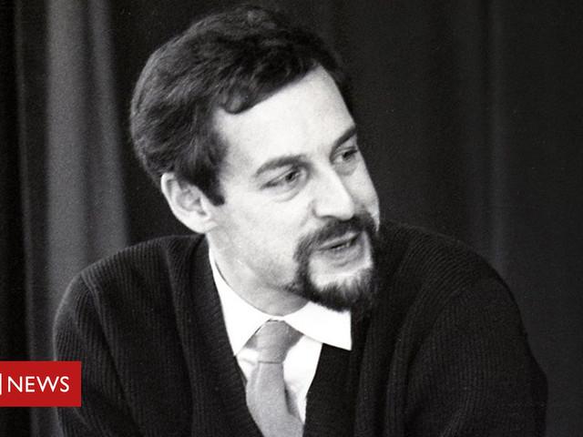 RSC founder and 'Shakespeare genius' John Barton dies