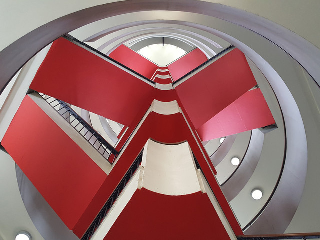 A modernist marvel – the staircase of Bevin Court