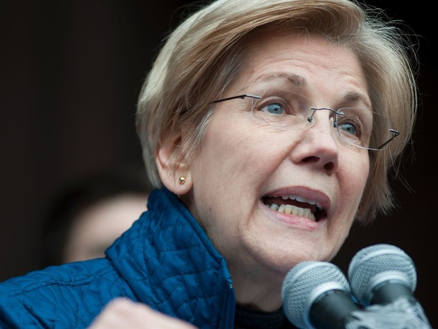 Elizabeth Warren Gives Progressives In Congress A Rousing Call To Arms Against Trump