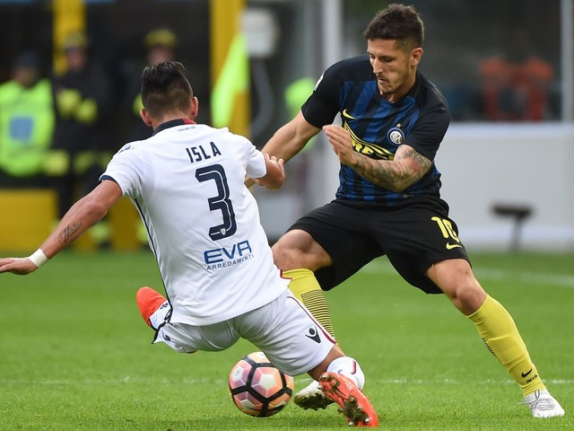 Jovetic pushes Inter over Olympique Lyon, 1-0
