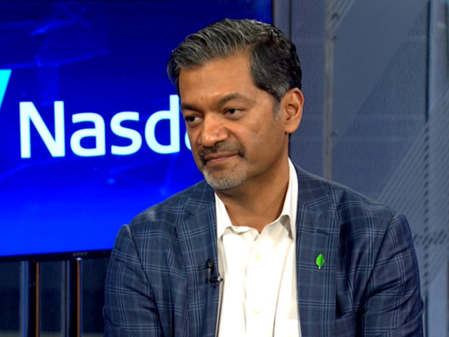 MongoDB soars 33% on its first day of trading — the CEO explains how they plan to beat Oracle and Amazon (MDB)