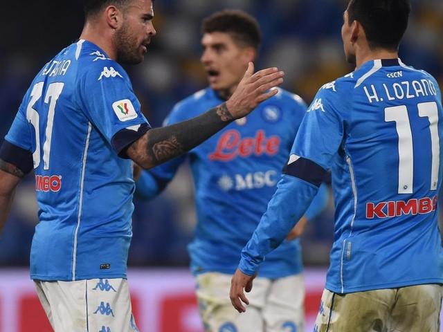 Napoli thrash Fiorentina 6-0 to go third