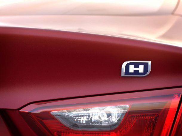 Chevrolet Malibu Hybrid: 'H' Marks the Spot… of a Gravesite