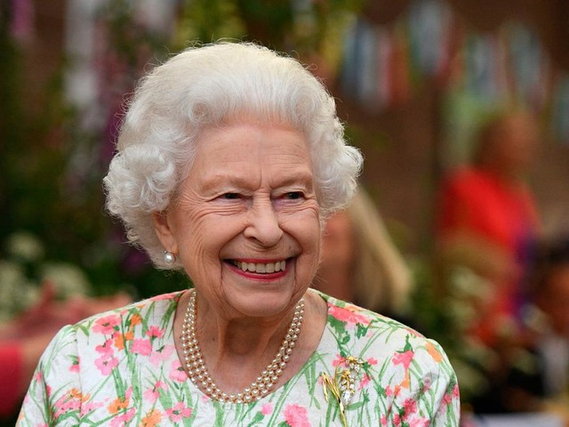 All in the Line of Duty: Queen gives NI-filmed police series royal seal of approval