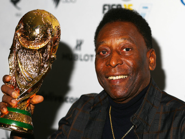 Sport shorts: Ronaldo or Messi? Pele says he is the best footballer ever
