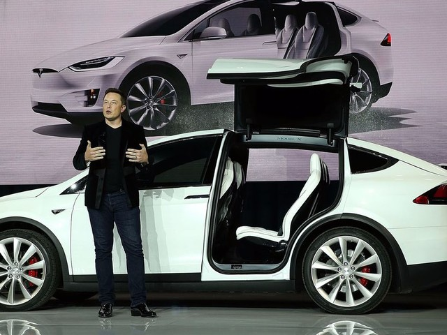 Tesla may launch its own music streaming service because, well, why not