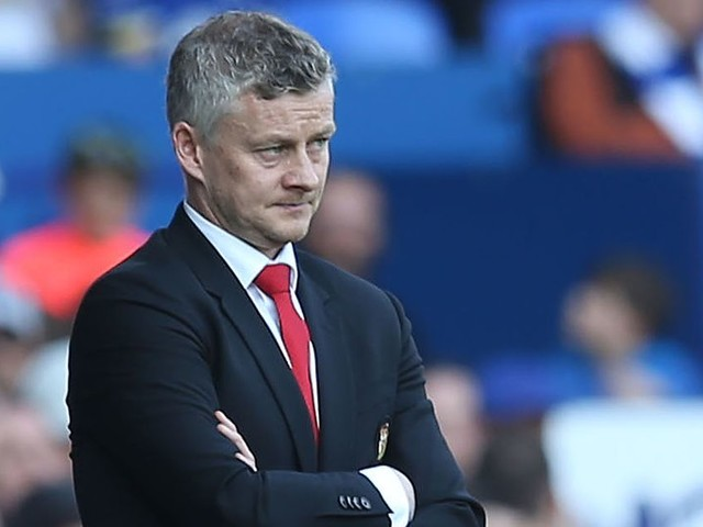 Man Utd trio 'to consider futures' if club fail to qualify for Champions League