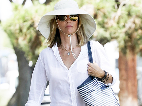 Lori Loughlin Makes Rare Appearance At Lunch As She Awaits Trial In College Admissions Scandal