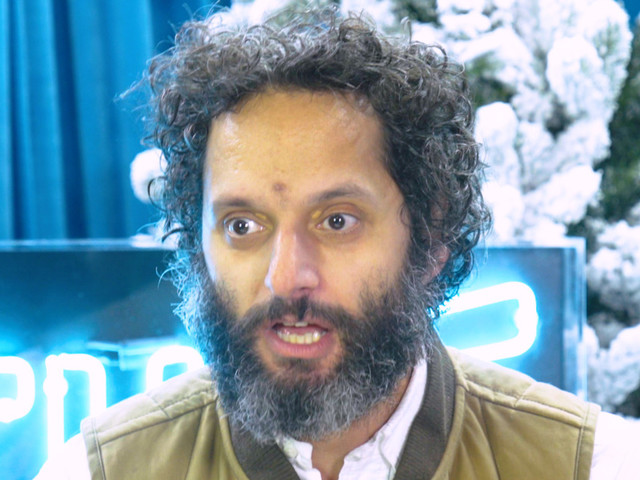 Jason Mantzoukas Does an Excellent Impression of Fans Who Yell at Him on the Street