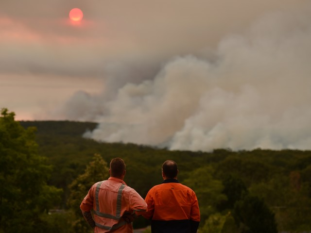Australian bushfires rage out of control