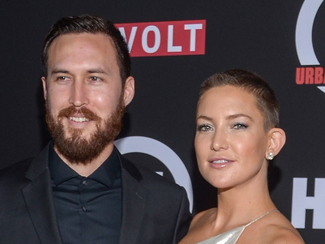 Kate Hudson Shines with Boyfriend Danny Fujikawa at Marshall Premiere