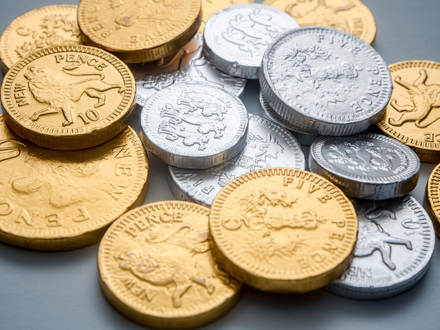 Cash Machine Outside Tate Modern To Dispense Chocolate Coins For One Day Only