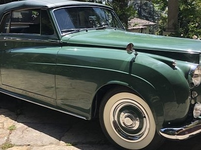 Elizabeth Taylor's Rolls-Royce Coupe, the Green Goddess, Hits the Auction Block