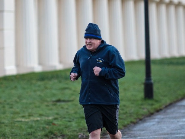 Queen allowing Boris Johnson to exercise in Buckingham Palace grounds