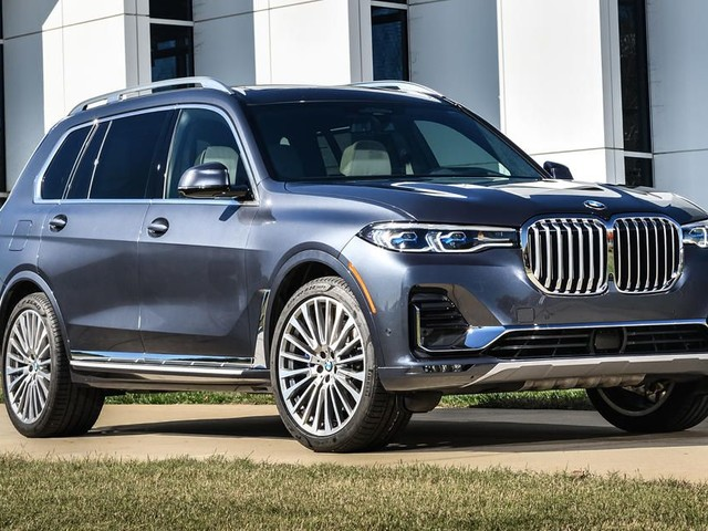 2019 BMW X7 first drive review: Large and (mostly) in charge - Roadshow