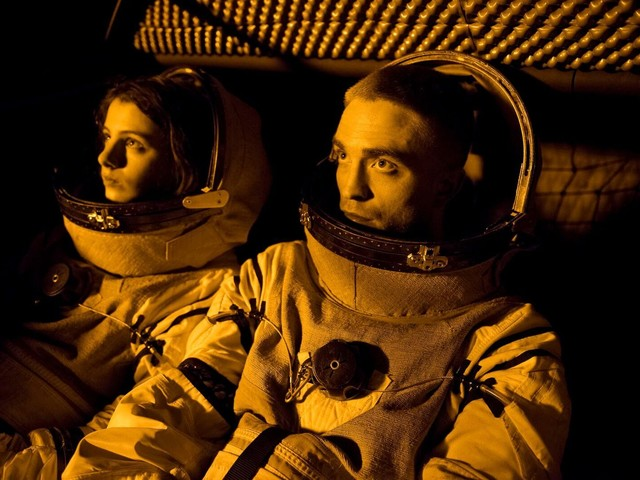"'High Life': Robert Pattinson & Claire Denis Unpack the Mysteries of Their ""F*cked Up"" Sci-Fi Film"