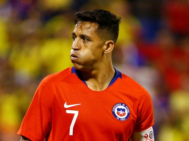 Alexis Sanchez undergoes ankle surgery and Man Utd flop won't play again until February